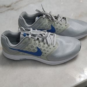 Women's Nike Downshifter 7 Size 10